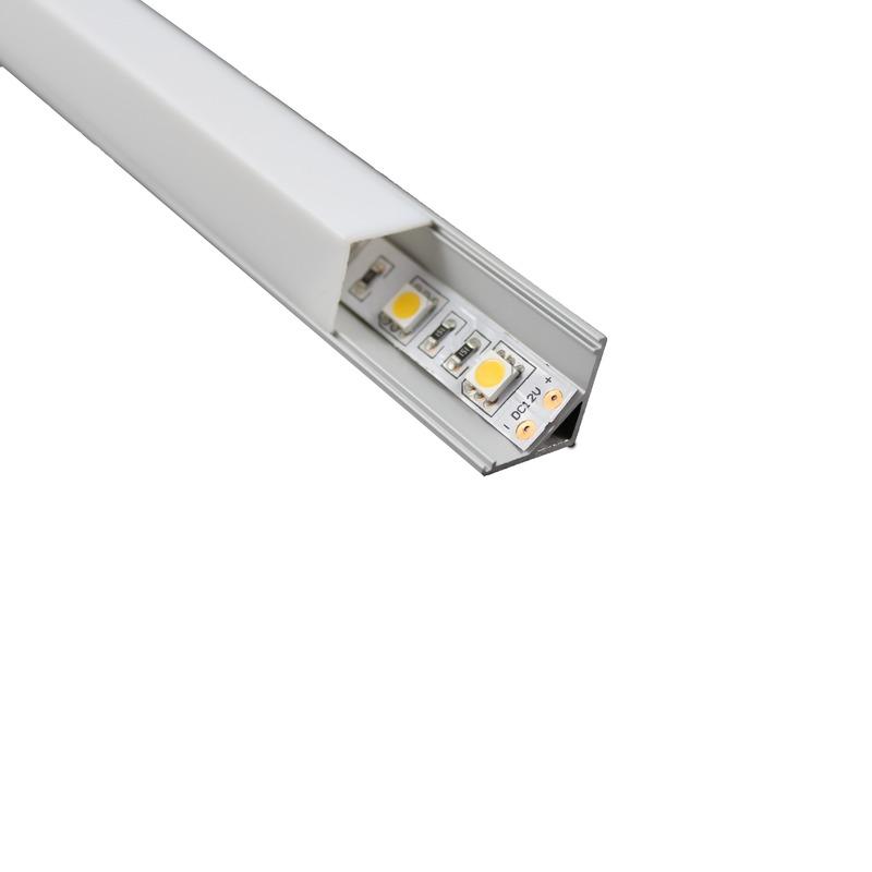Profilo per strisce led montaggio ad angolo strisce led for Strisce led bricoman
